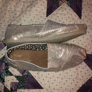 Women's silver sparkly Toms